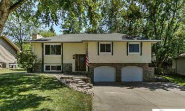 827 Arlene Avenue, Papillion, Nebraska